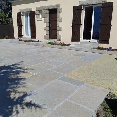 Création d''une terrasse en dalles - Rothéneuf (35)