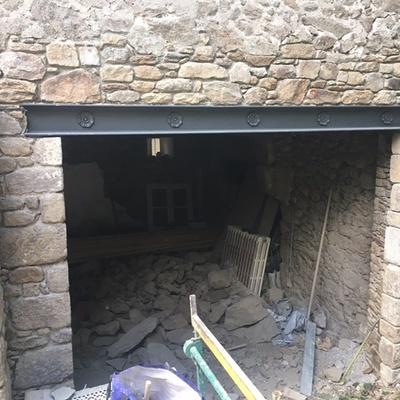Percement mur pierre avec linteau métallique