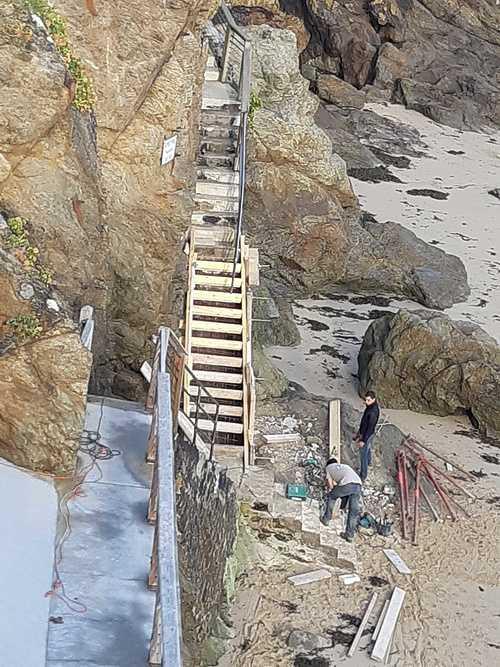 Réparation et coulage d''un escalier béton pour accès plage - Dinard - 35 20181004093550