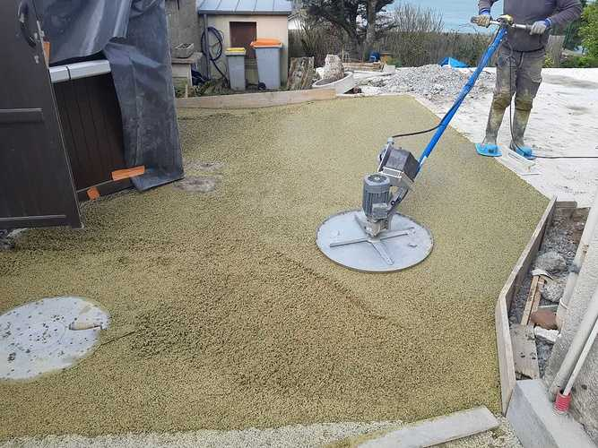 Création terrasse en béton drainant à Rotheneuf resized201903051106129396
