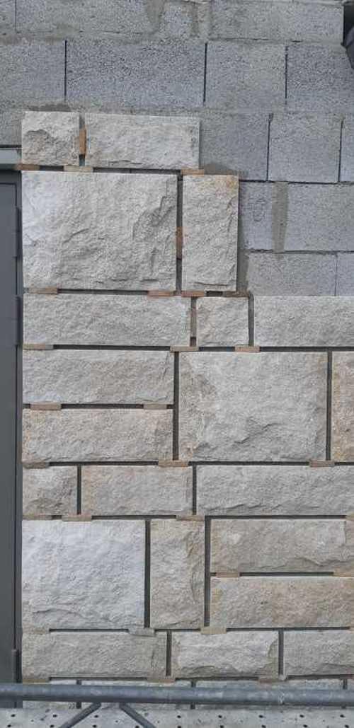 Raccord en pierres de taille sur façade du Grand Palais - Saint-Malo 7220686324412375792956522571679941280137216n