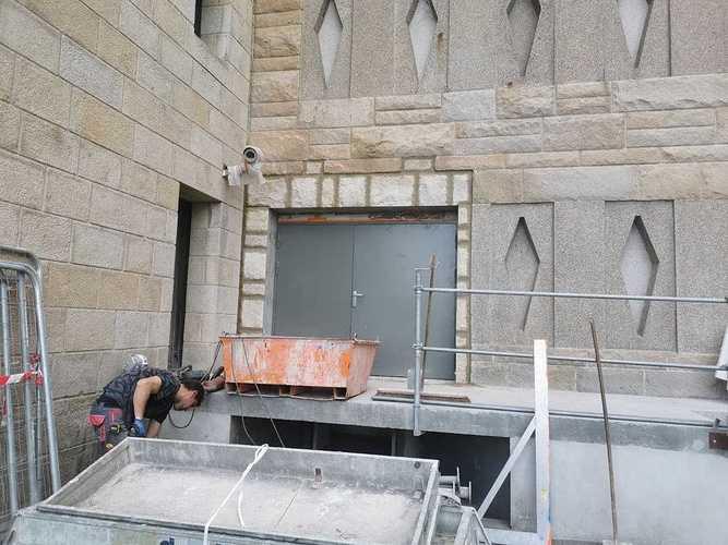 Raccord en pierres de taille sur façade du Grand Palais - Saint-Malo 727235124835690490390847017537641776152576n