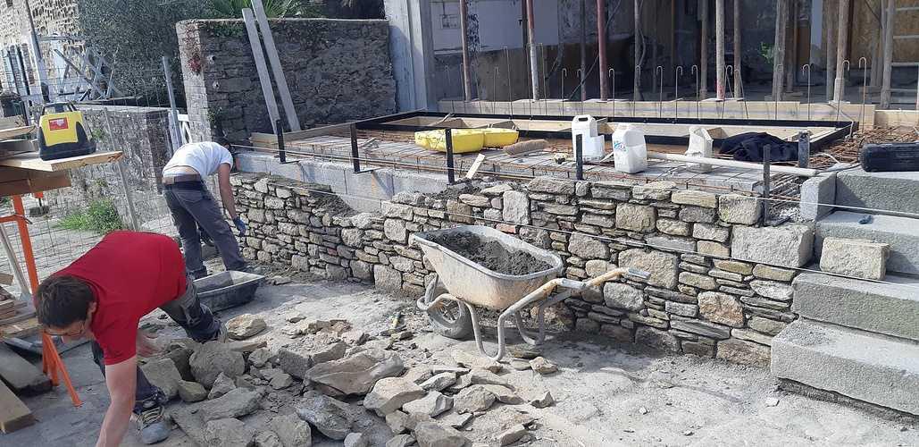 Rénovation et maçonnerie d''une maison bord de mer - Port de la Richardais 201804261104221